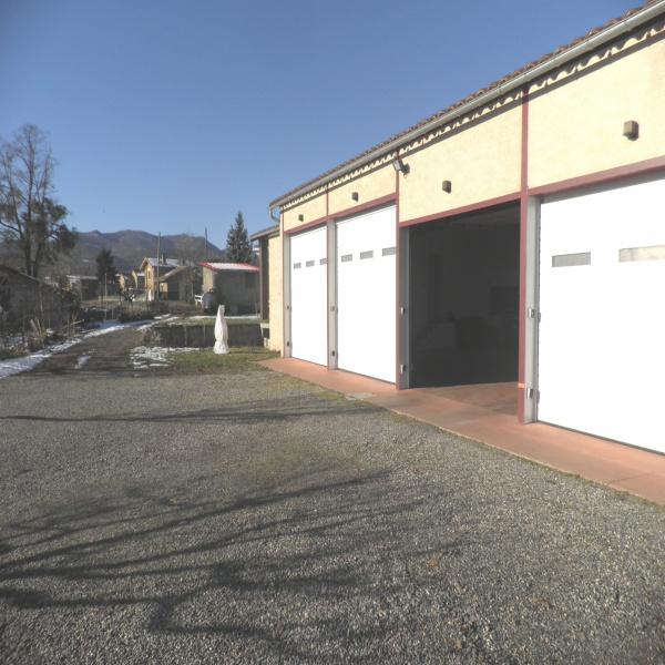 Offres de location Garage Lorp-Sentaraille 09190
