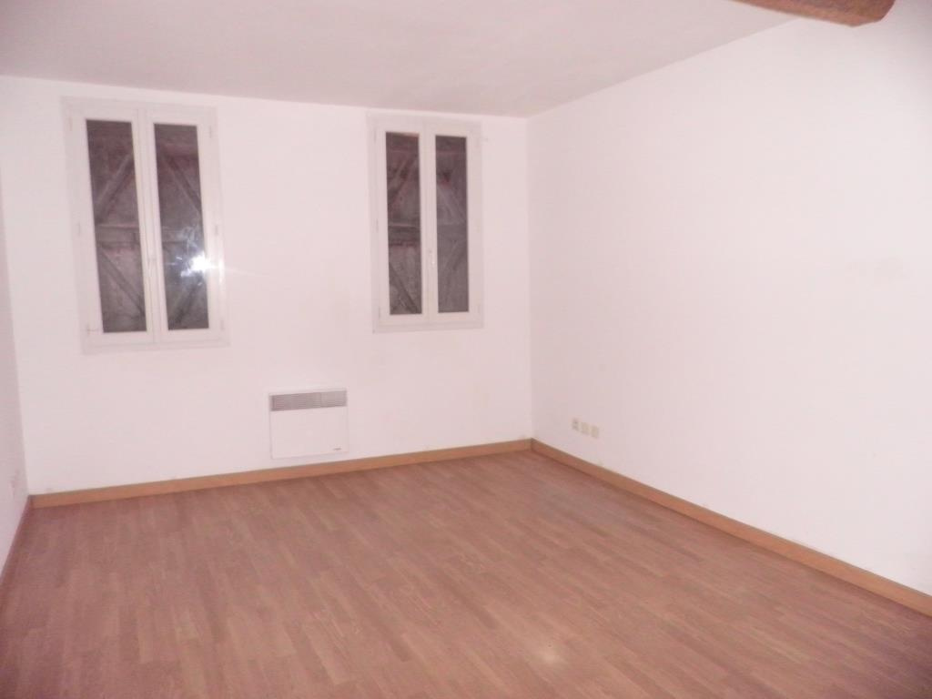 Appartement 1, chambre 2.